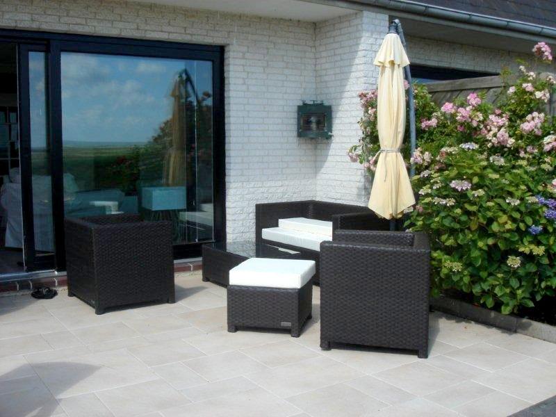 Lounge-Ecke Ostterrasse