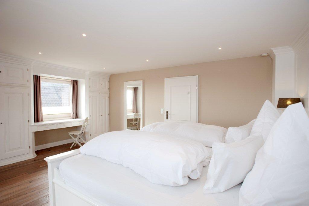 Schlafzimmer 1. OG -3