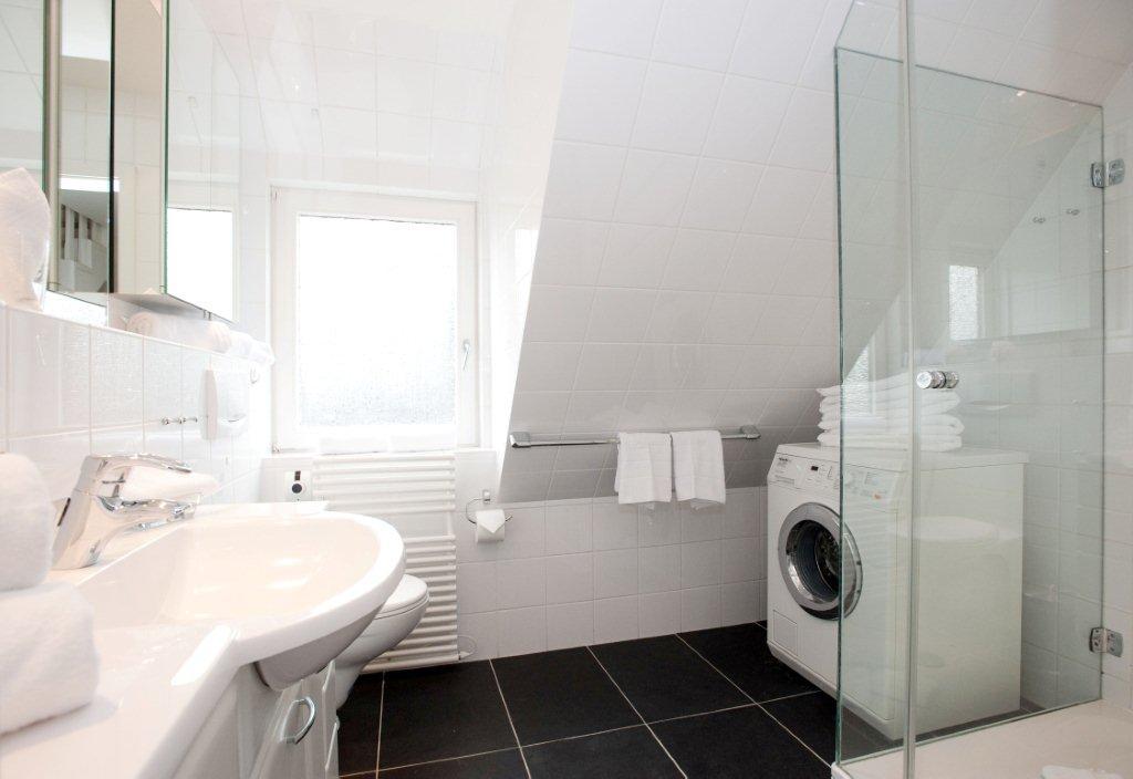Badezimmer 1. OG - 1